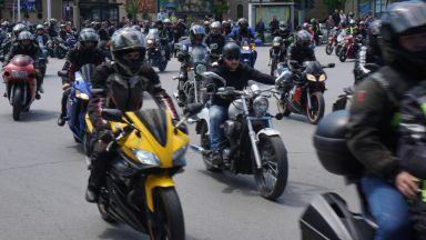Мощен рев на мотори оглуши Варна, над 1000 рокери откриха сезона (снимки)