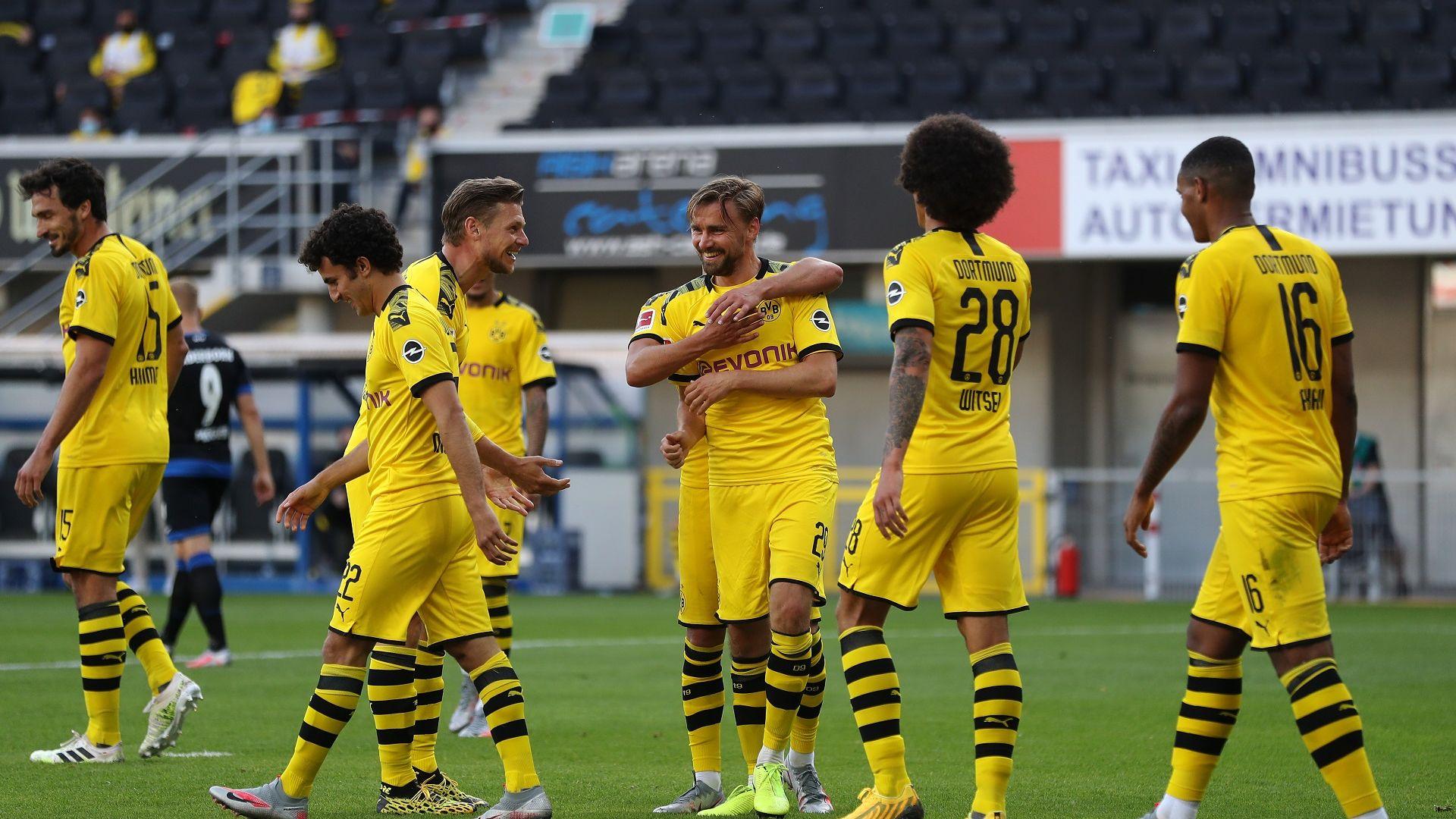 Вихрено полувреме със седем гола, остави Борусия на седем точки от върха