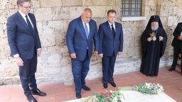 Борисов и Вучич поднесоха цветя на гробовете на Свети Сава и цар Калоян (снимки)