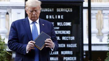 """Яростна атака срещу """"нарцисиста"""" Тръмп заради безредиците в САЩ"""