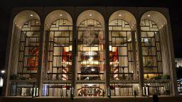 """В операта """"Метрополитън"""" оркестърът, екипите и публиката трябва да бъдат ваксинирани"""
