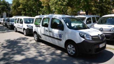 """Монтират 31 зарядни станции за електромобили в """"синята зона"""" на Варна"""