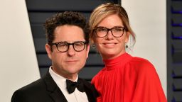 Режисьорът Джей Джей Ейбрамс и съпругата му даряват 10 млн. долара за борба с расизма