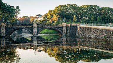 Отвориха градините на императорския дворец в Токио (видео)