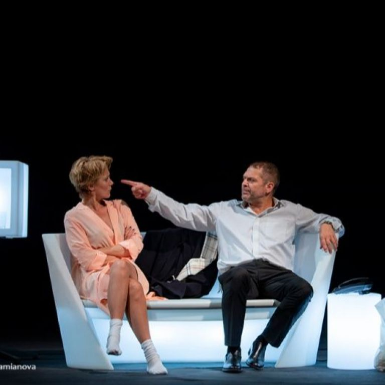 """Младежкият театър представя два спектакъла с Койна Русева на откритата сцена на театър """"София"""""""