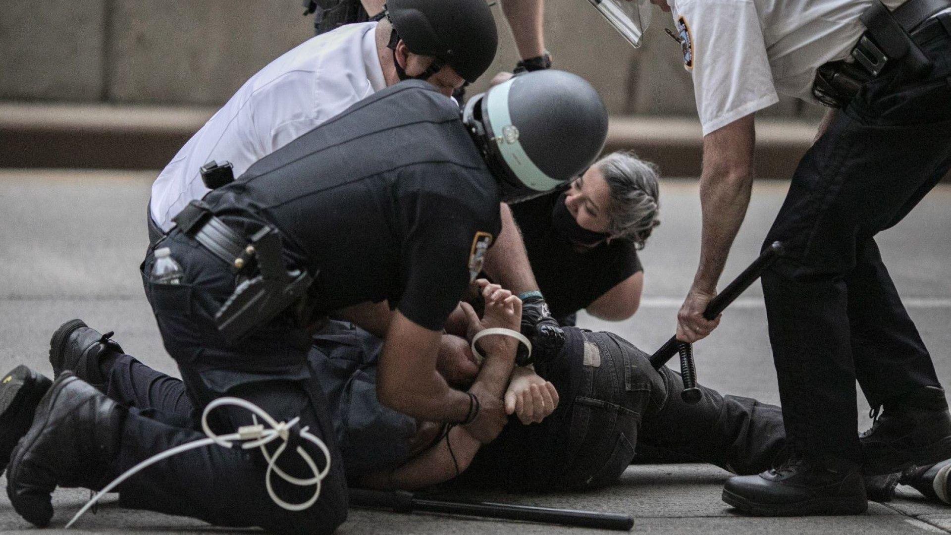 Над 700 души са арестувани заради вандализъм при протестите в