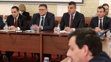 Икономическата комисия одобри държавните бензиностанции на първо четене
