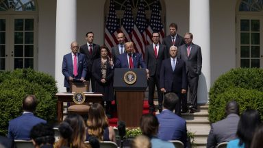 Бизнесът в САЩ се съвзема: заетостта расте, Белият дом и Тръмп са в еуфория