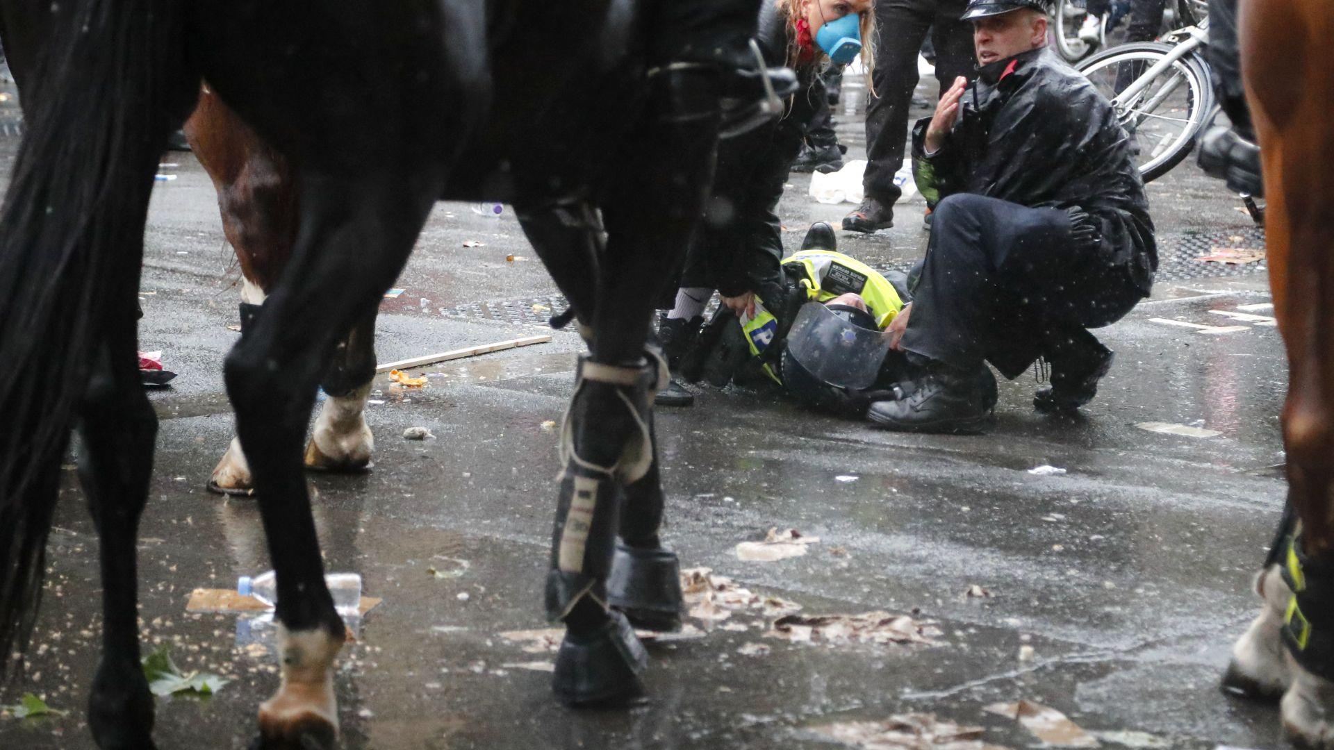 Многохиляден антираситски протест се провежда в Лондон след убийството на