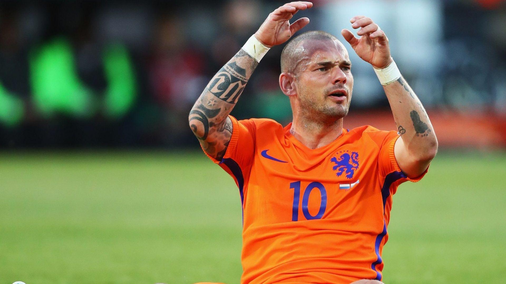 Нидерландска легенда: Можех да съм като Меси и Роналдо, но не исках