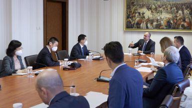 Президентът договори с Китай съвместен център за иновации в София