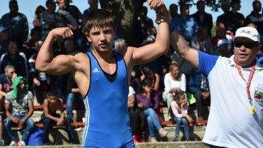 Млад борец спасил живота на едно от скочилите от бургаския мост момчета
