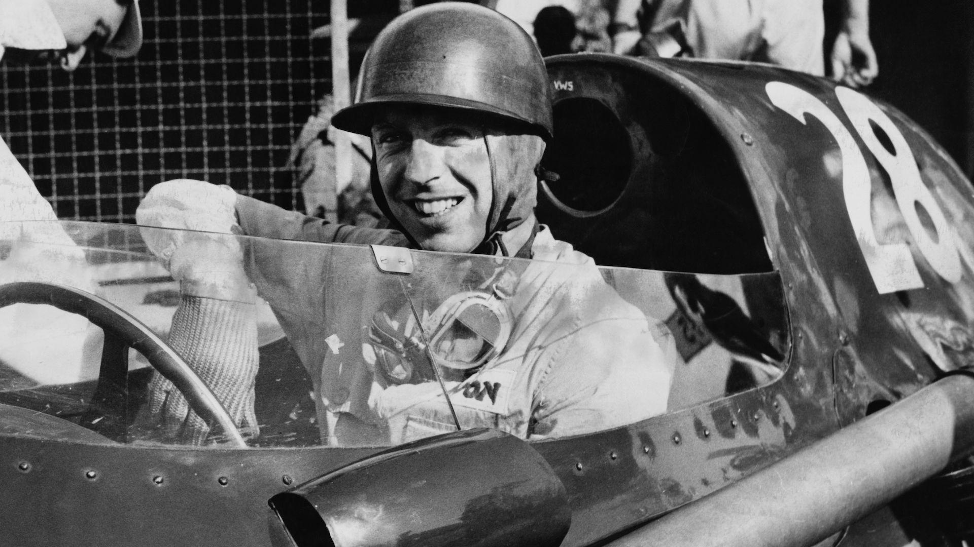 Зъболекарят-пилот е последният пионер от зората Формула 1