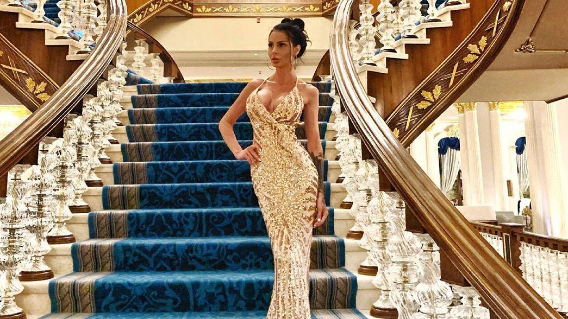 Деси Димитрова проби в чужбина, плеймейтката позира за гръцки  брандове