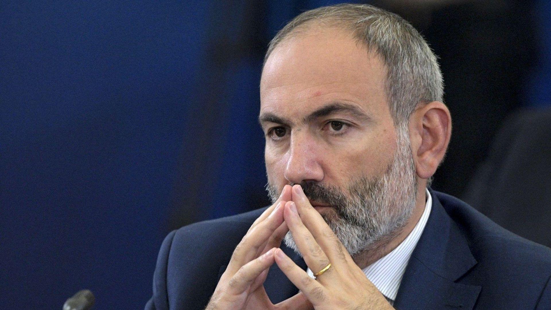 За неспазване на карантината Пашинян уволни началниците на армията, полицията и сигурността