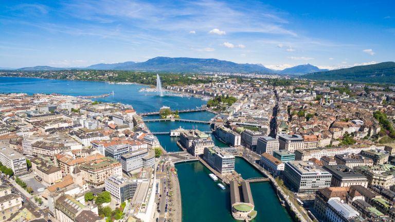 Швейцарските власти ще затворят въздушното пространство на страната за полети