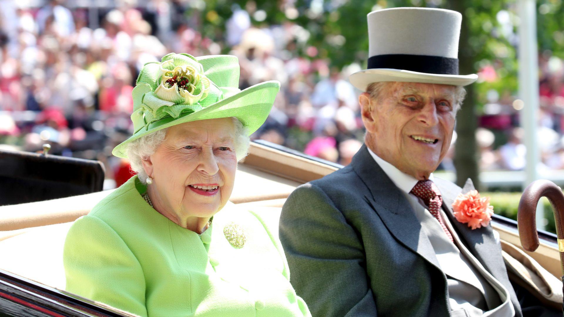 Принц Филип посреща сам с кралица Елизабет Втора 99-ия си рожден ден