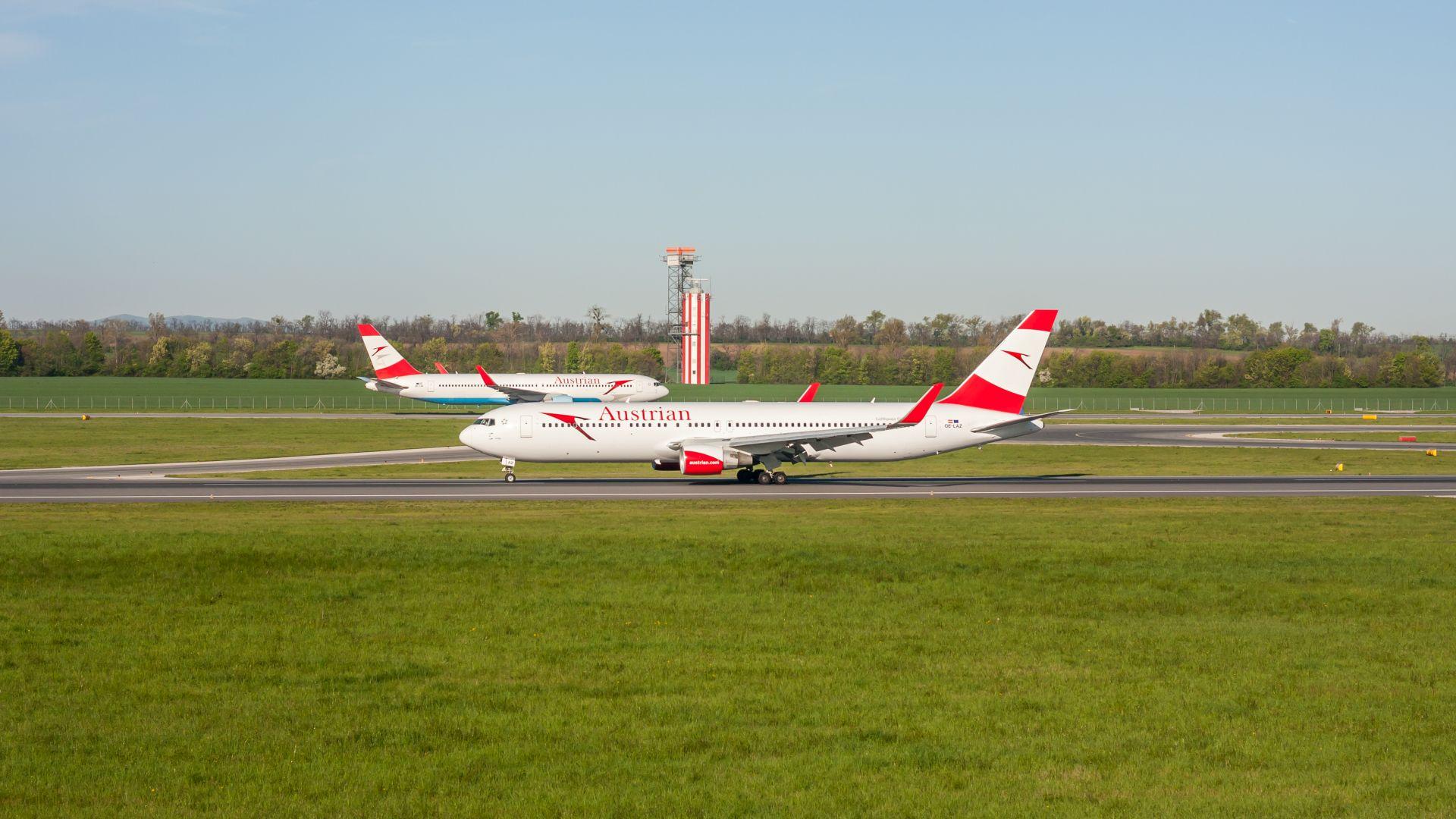 Австрия и кризата: Спасителен пакет за авиокомпания АУА и какво става с цените на наземния транспорт