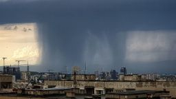 Снимай бурята: Новото предизвикателство в мрачна София
