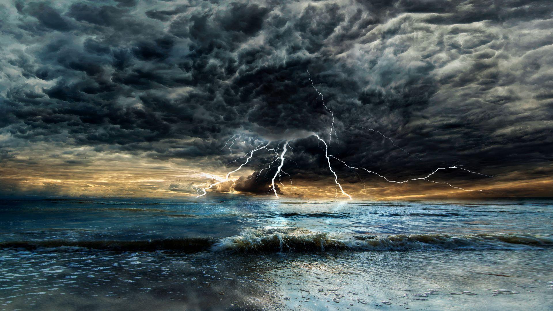 Защо през юни често вали и гърми и времето е нестабилно?