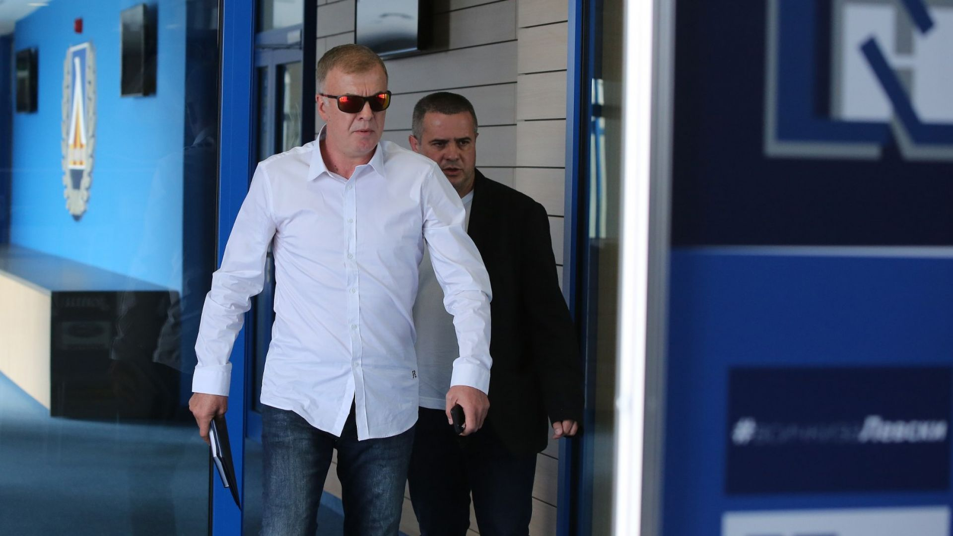 """Наско Сираков призна, че е получил съгласие от новия треньор на """"Левски"""""""