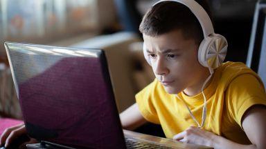Учители в САЩ: Младите не умеят да ползват компютри