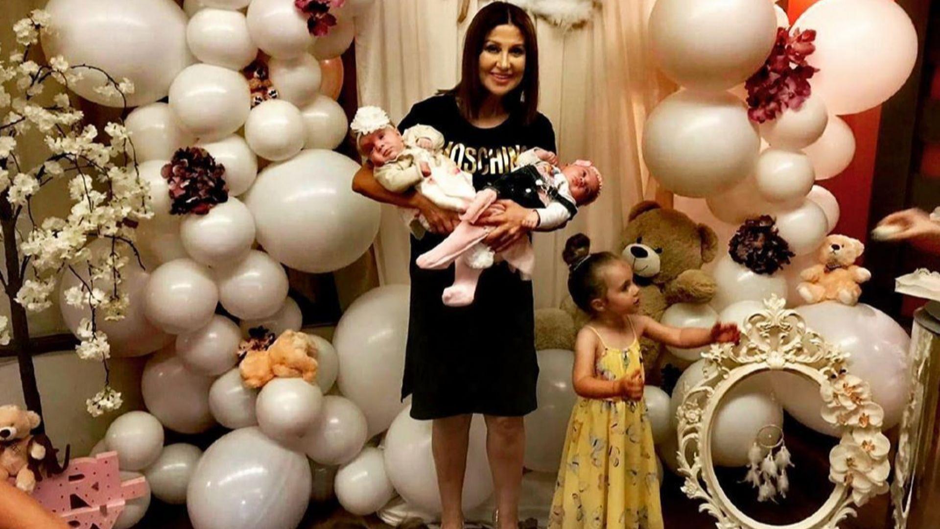 Илиана Раева с трите си внучки: Благословия!