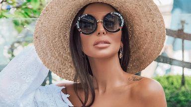 Николета Лозанова топлес под слънчевите лъчи в Свети Влас