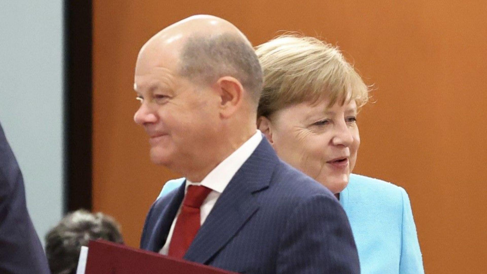 Меркел заяви на Ли, че Китай трябва да направи повече за достъпа до пазара си