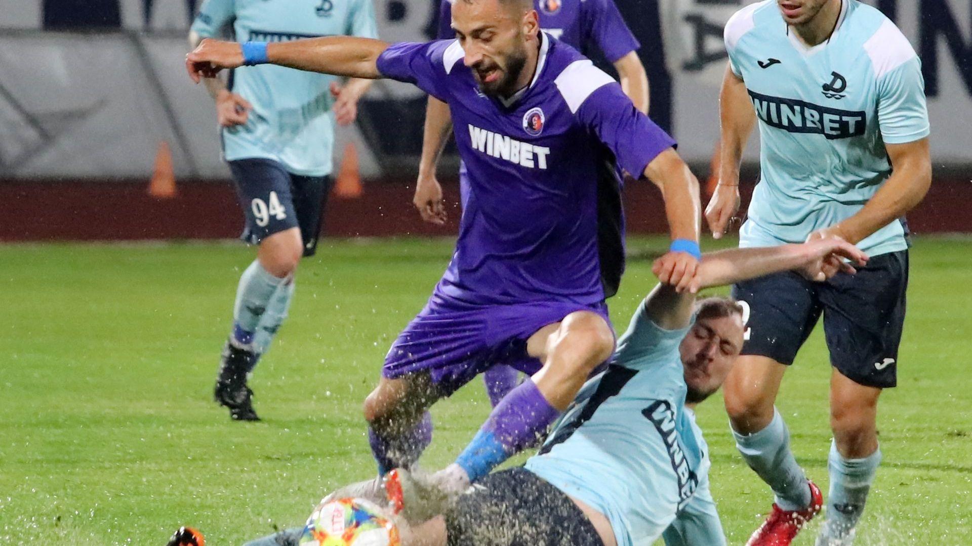 Спектакъл с осем гола за старт на последния кръг в родния футбол (Видео)
