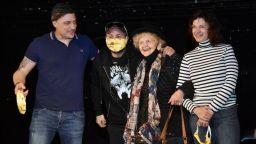Карамазов, Вълдобрев и Янорова оставиха отпечатъци на Стената на славата пред Театър 199