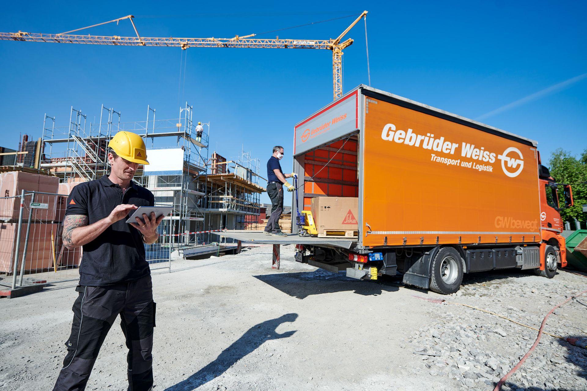 С индикирането на приблизително време за доставка (ETA) на праткитр, Гебрюдер Вайс предлага на своите клиенти още по-голяма надеждност за планирането. (Източник: Gebrüder Weiss / Marcel Hagen).