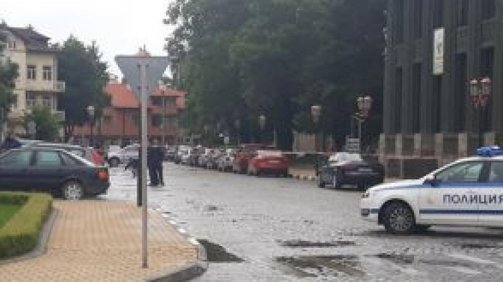 Дрогираният шофьор, който блъсна служителка на платената зона за паркиране