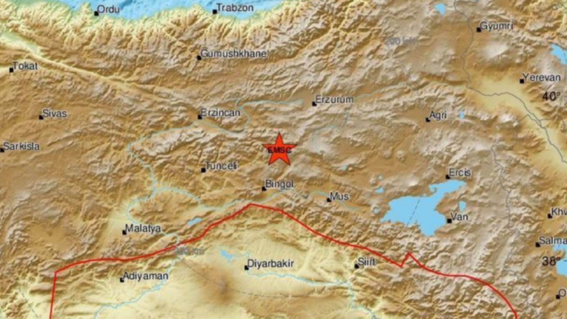 5,9 по Рихтер разтресе Турция, ранени са военни