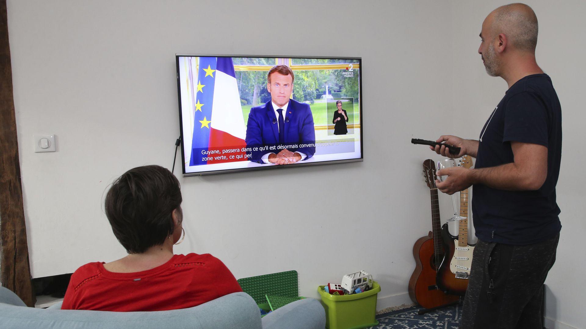В телевизионно обръщение: Еманюел Макрон обяви първа победа срещу коронавируса