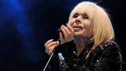 Лили Иванова отлага цялото си турне за 2021 година