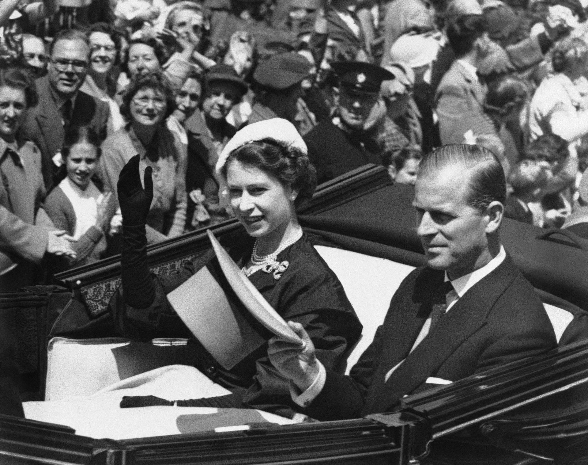 Кралица Елизабет Втора на конните надбКралица Елизабет Втора на конните надбягвания през 1952 г