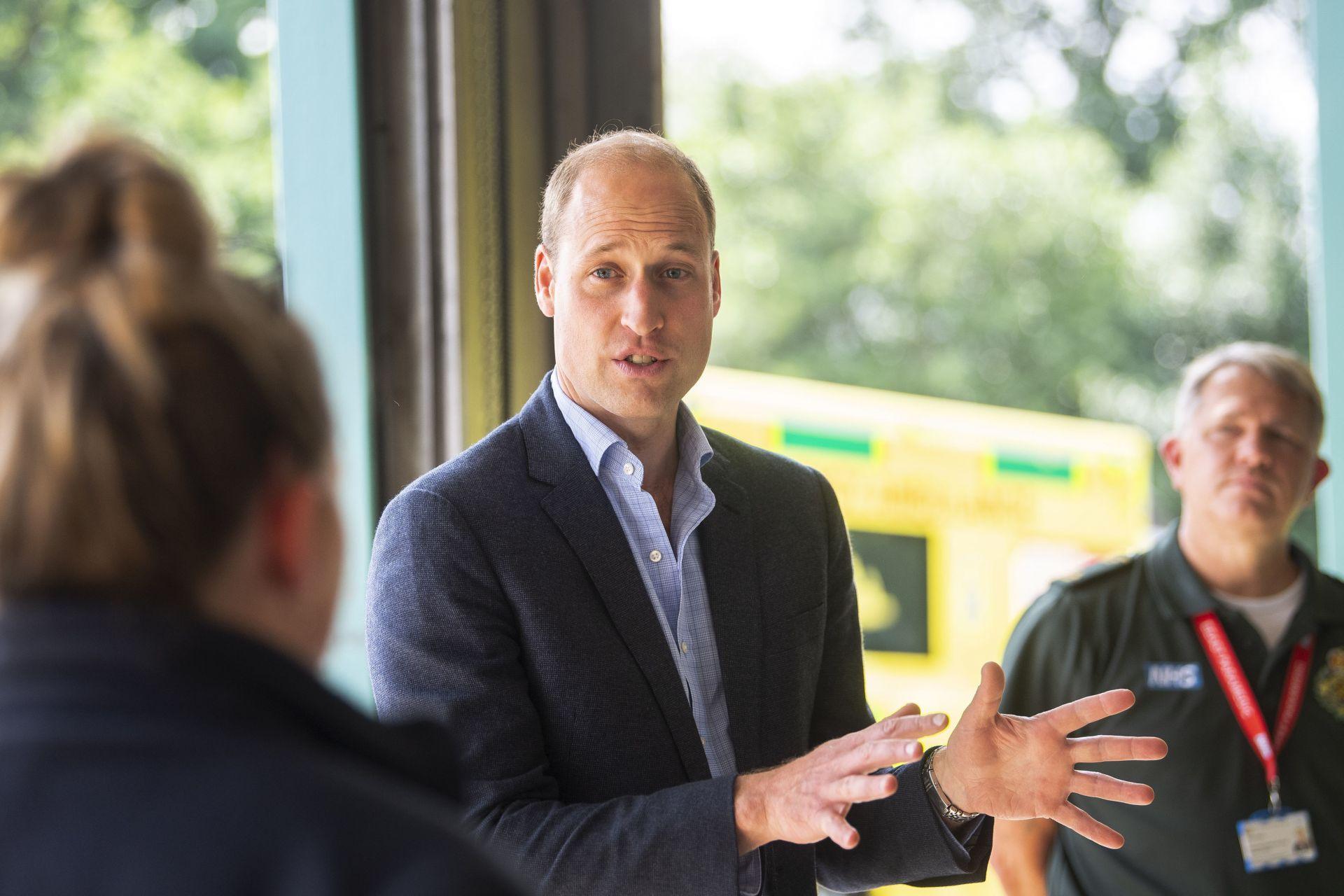 """Принц Уилям посети службата за бърза помощ """"Кингс Лин"""", която реагира на повиквания в район, обхващащ 6,2 милиона души в Източна Англия"""