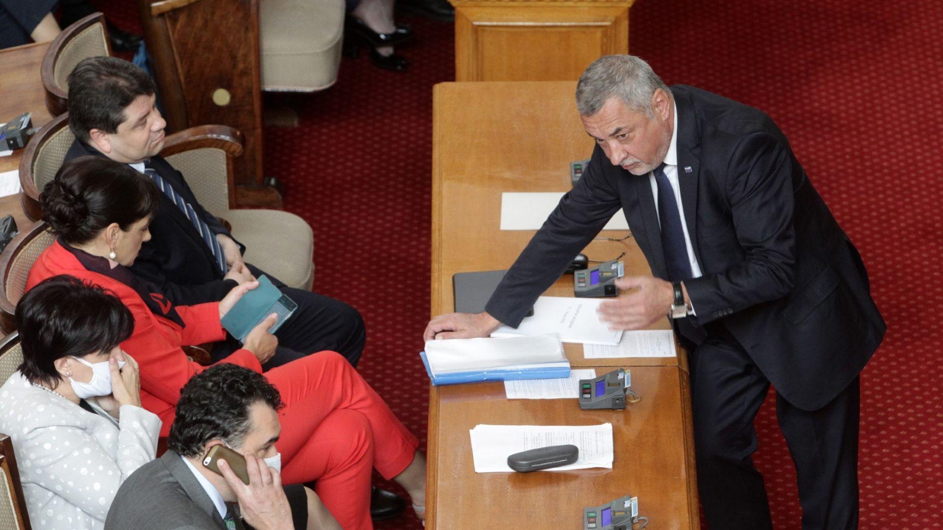 Парламентът отхвърли свиването на хазартния бизнес и одобри залагания от тотото
