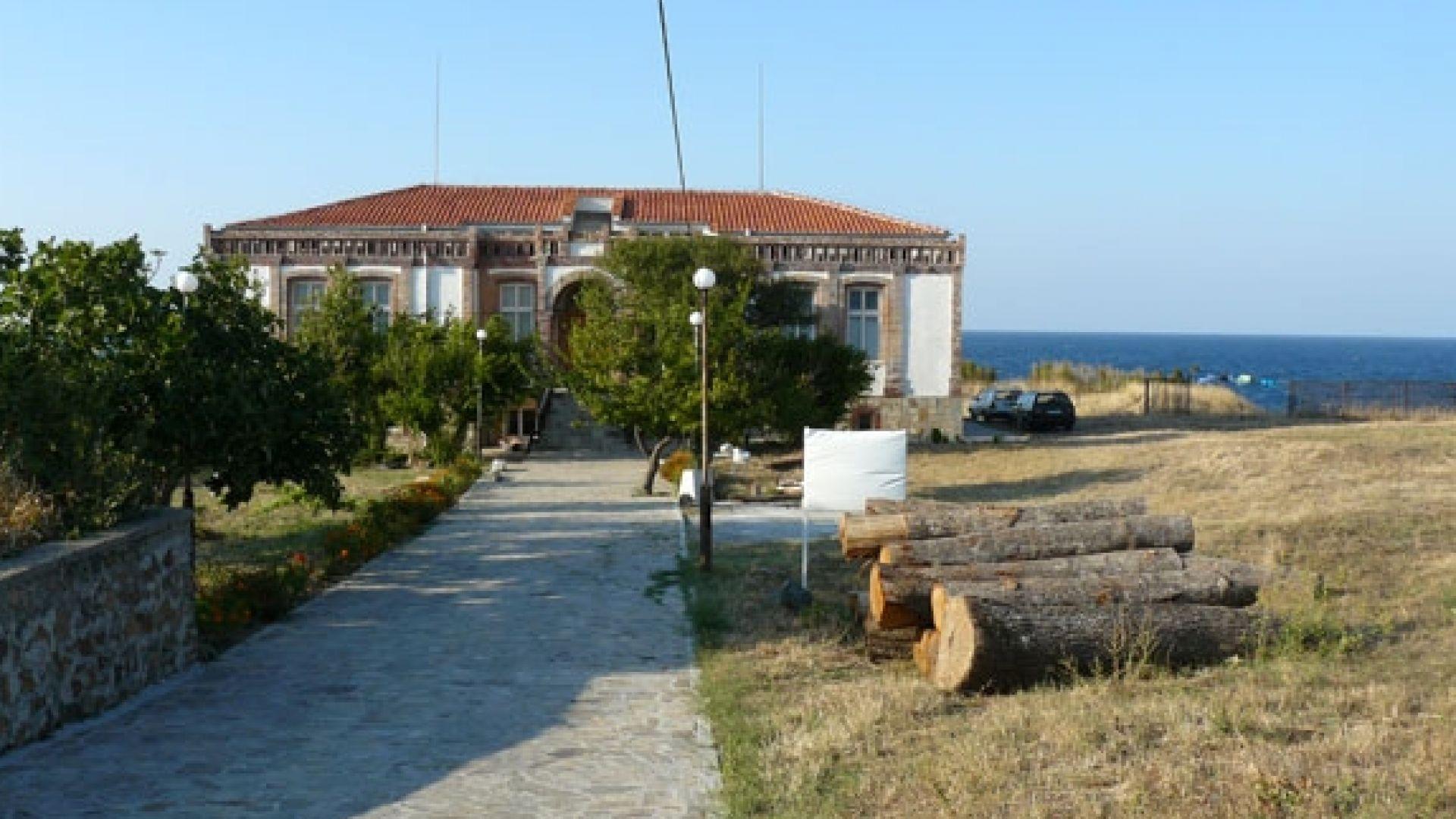 Заловиха крадците на антични предмети от базата на НХА в Ахтопол