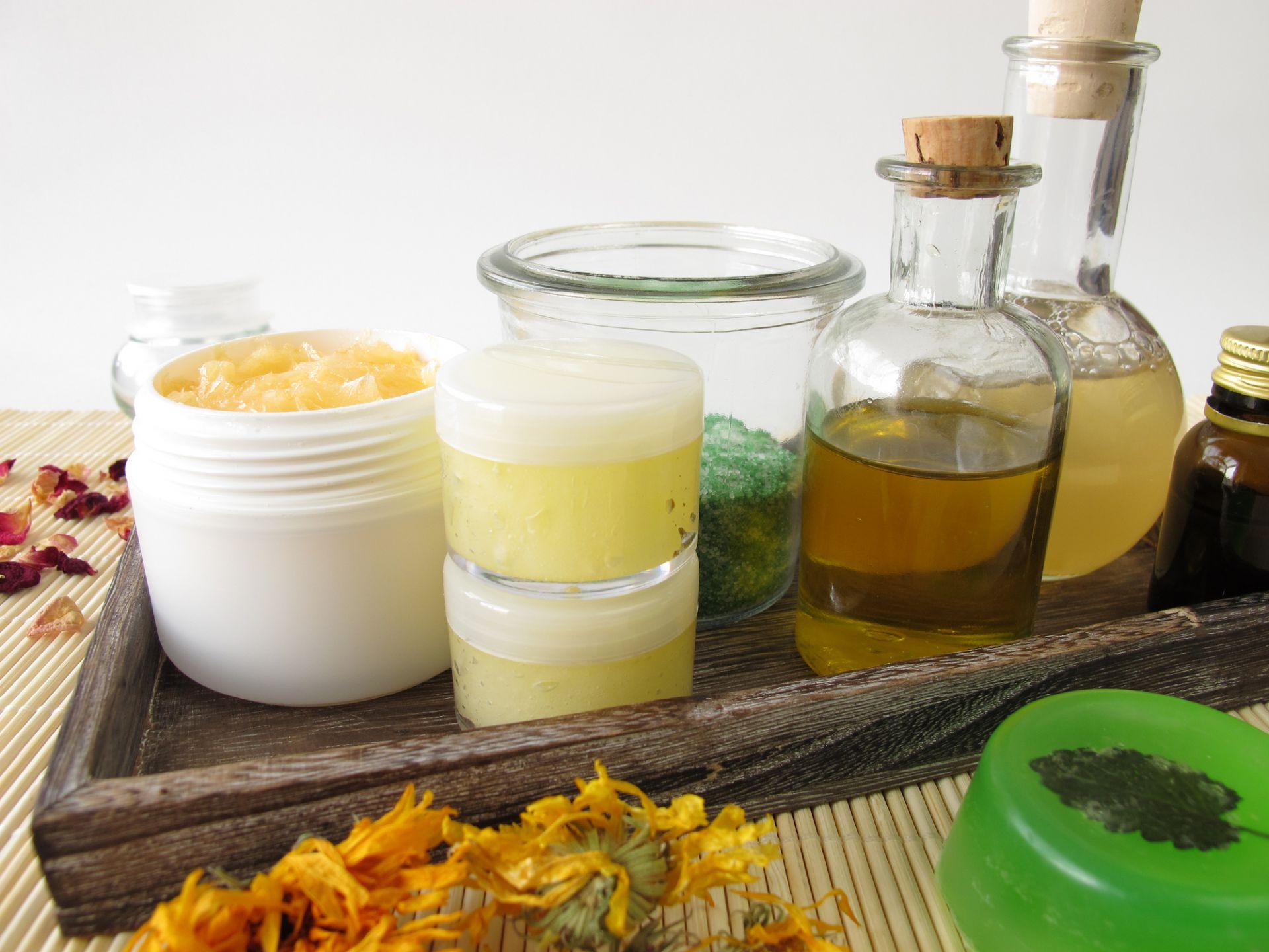 """Маски и подсилващи лосиони за кожата и тялото, както и детокс чайове и други добавки за имунната система - в секцията """"Дрогерия"""""""