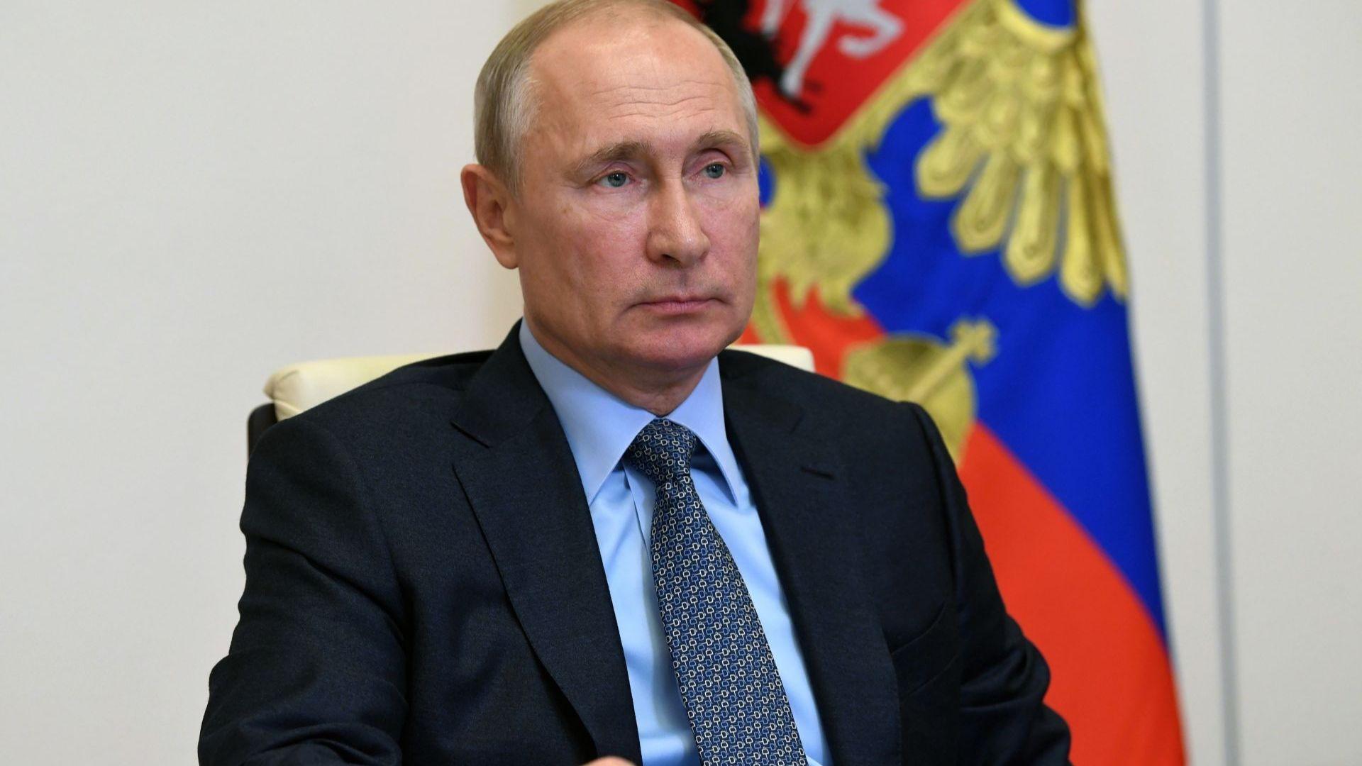"""Путин предлага """"подсладители"""", за да може да управлява по-дълго от Сталин"""
