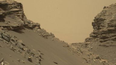 Големи ледници са покривали долините на Марс