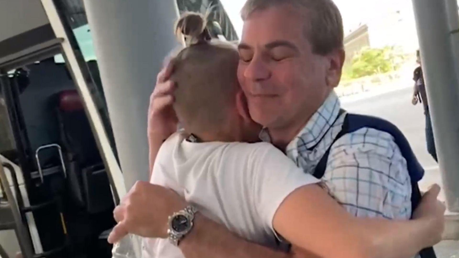 Българин прегърна сина си след месеци в арменски затвор