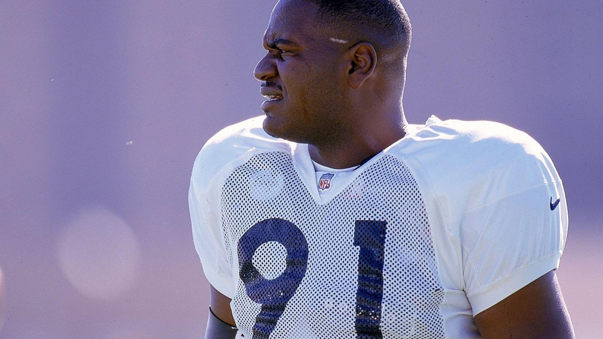 Шампион по американски футбол поиска извинение за расистка обида от 1989-а
