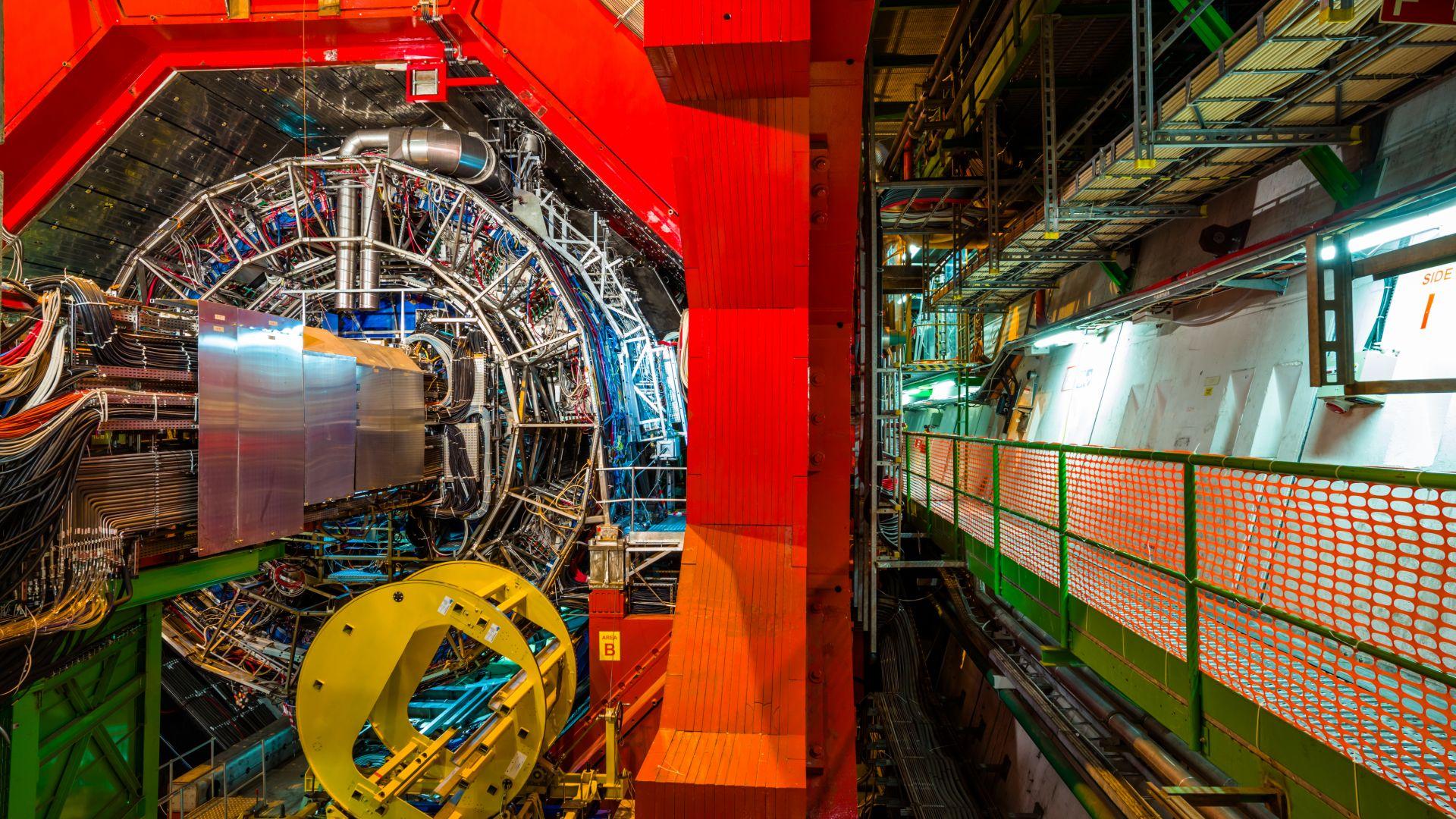 Фабрика за Хигс бозони в ЦЕРН разработва нова физика с немислима енергия на сблъсъците