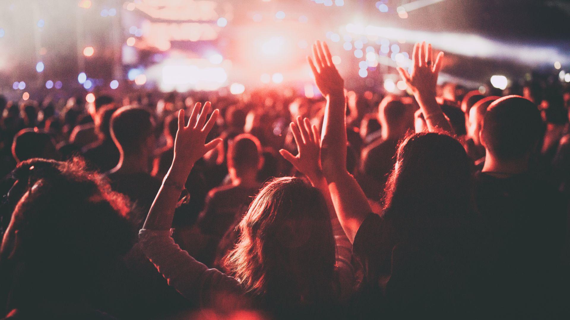 600 изпълнители призоваха за спасяване на малките концертни зали в САЩ