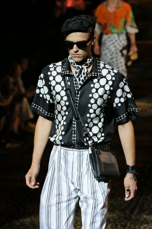 Копринени ризи - част от модното лято 2020