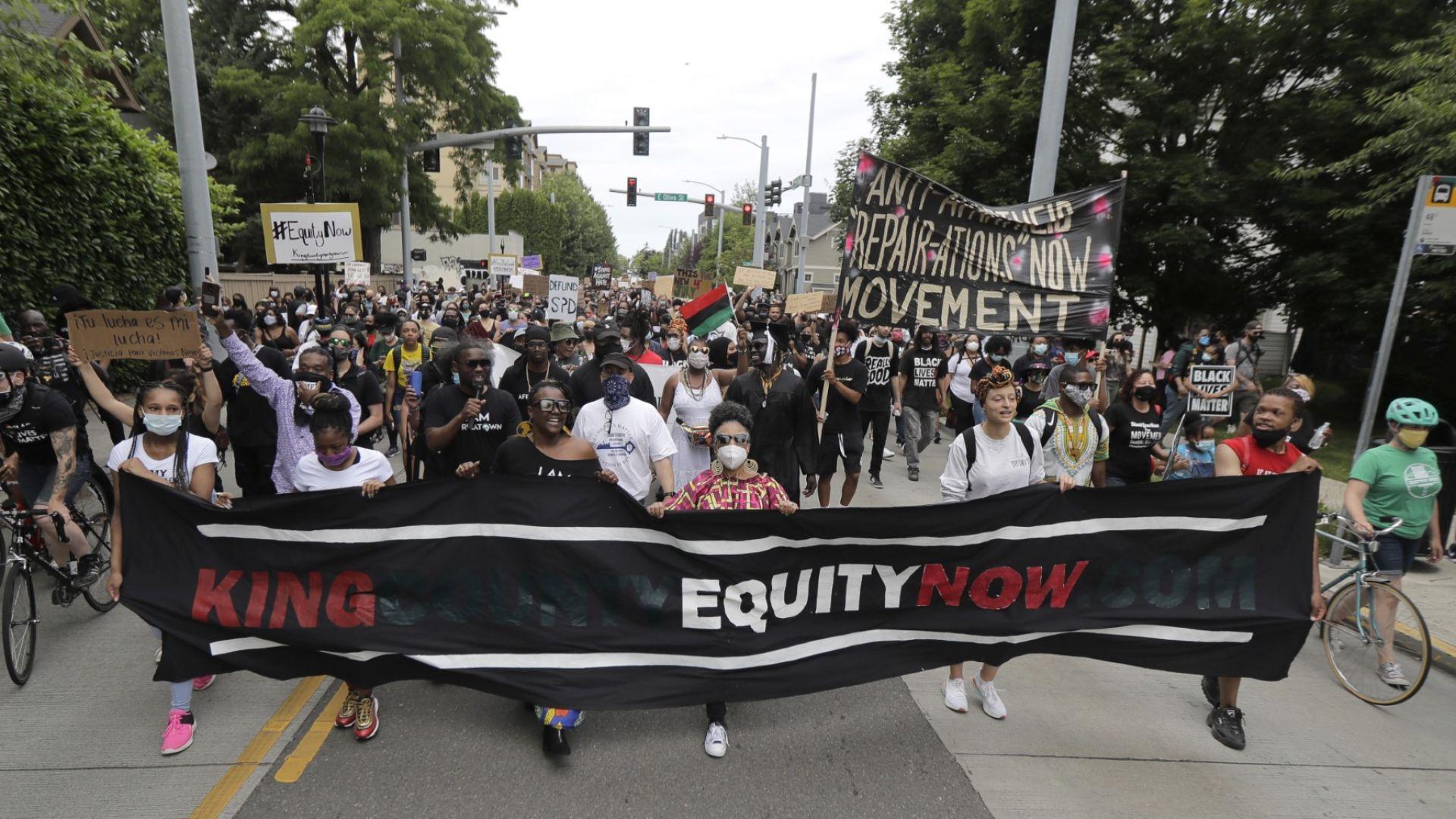 Хиляди се включиха в шествията против расизма в американския Ден на свободата