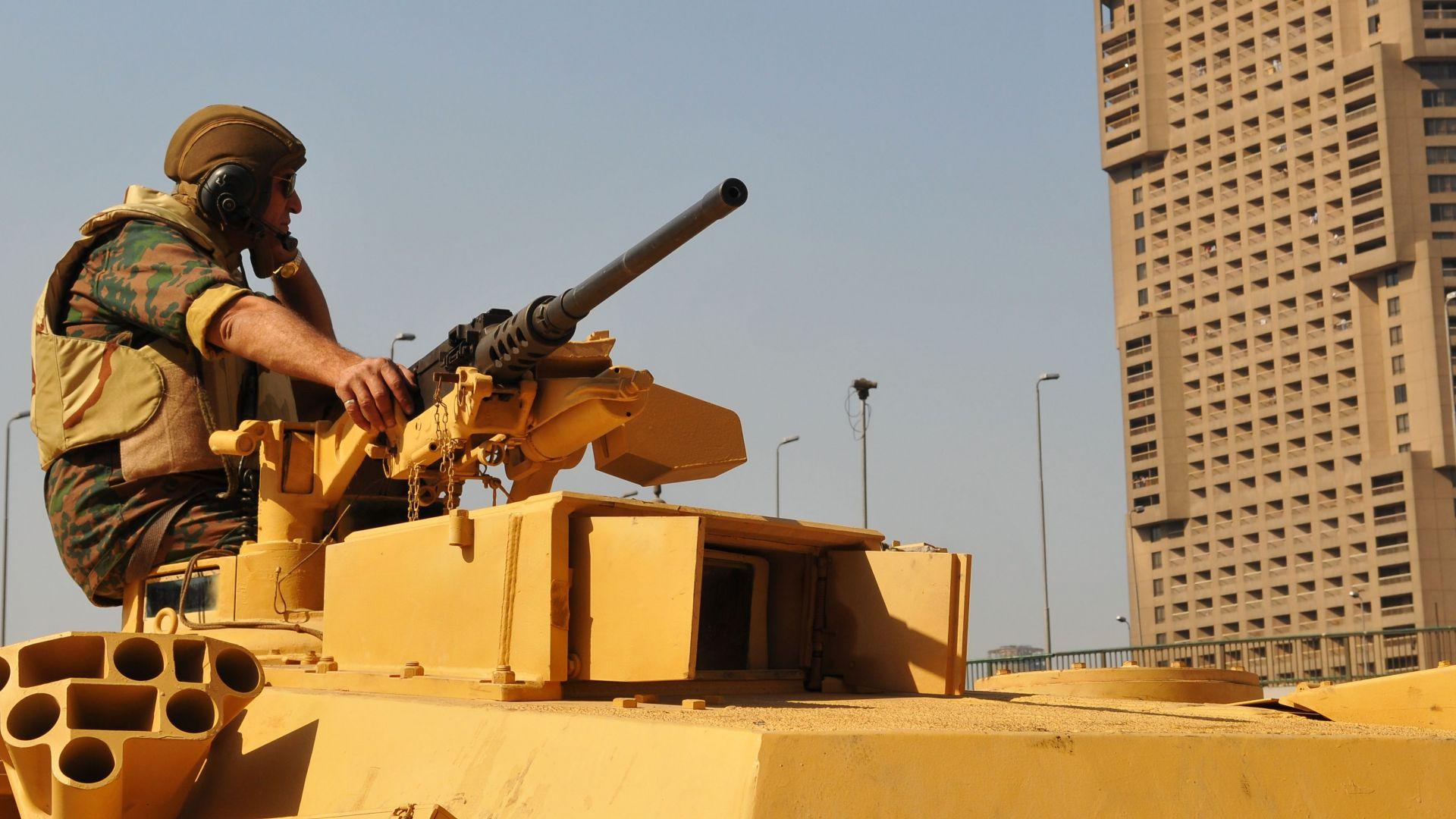 Египет заплаши с пряка военна намеса в Либия
